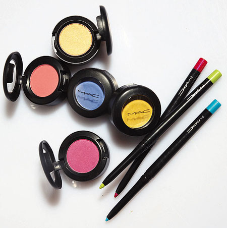 Mac-makeup-art-cosmetics-collection-eyeshadows-technakohl